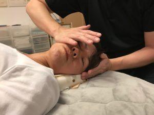 小顔矯正の施術:頭蓋骨矯正:日本小顔矯正育成スクール